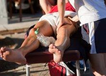 Sportmasszázs a fájó, letapadt izmokra