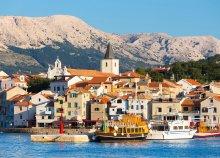 Strandolás az Adriai-tengerben Krk-szigeten