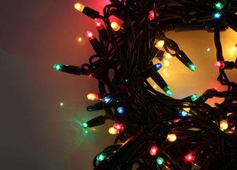 Borítsd színes fényárba karácsonyfádat vagy kertedet akár 500 LED-ből álló fényfüzérrel