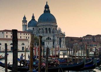 3 nap 2 főnek reggelivel Velence közelében