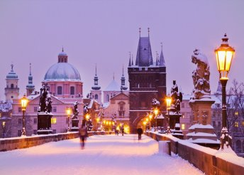 Adventi hétvége buszos utazással Prágában