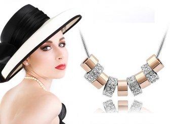 18 karátos aranybevonatú ékszer szett: nyaklánc, karkötő és fülbevaló - elegáns, letisztult forma, variálható