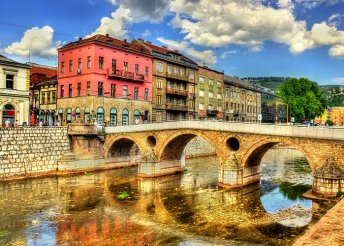 Szarajevó és a Boszniai piramisok völgye