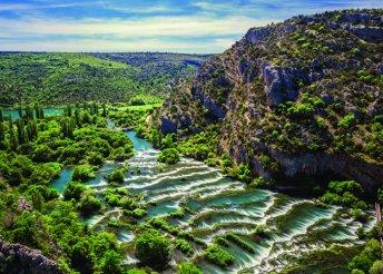 Fürdőzés az Adriai-tengerben