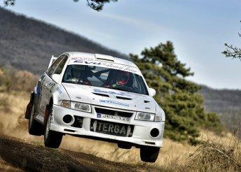 Rally-vezetés ikonikus versenyautókkal