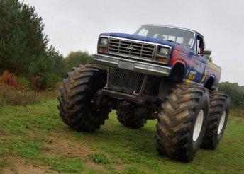 Szelídíts meg egy 250 lóerős óriást! 4 körös élményvezetés Monster Truck-kal a Megoldásmindenre.hu-tól