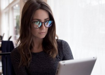 Kíméld szemeid monitorszűrős szemüveggel