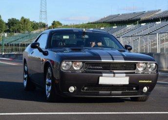 Dodge Challenger V8 450 LE élményvezetés