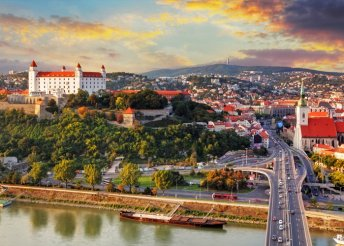 Húsvéti utazás a Schlosshof kastélyhoz és Pozsonyba
